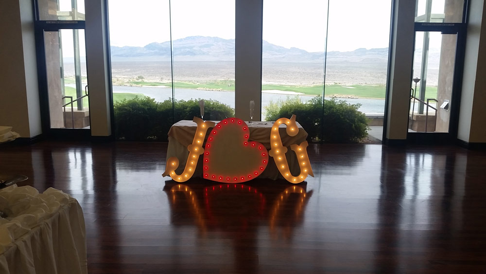 Paiute Golf Course Wedding Lighting